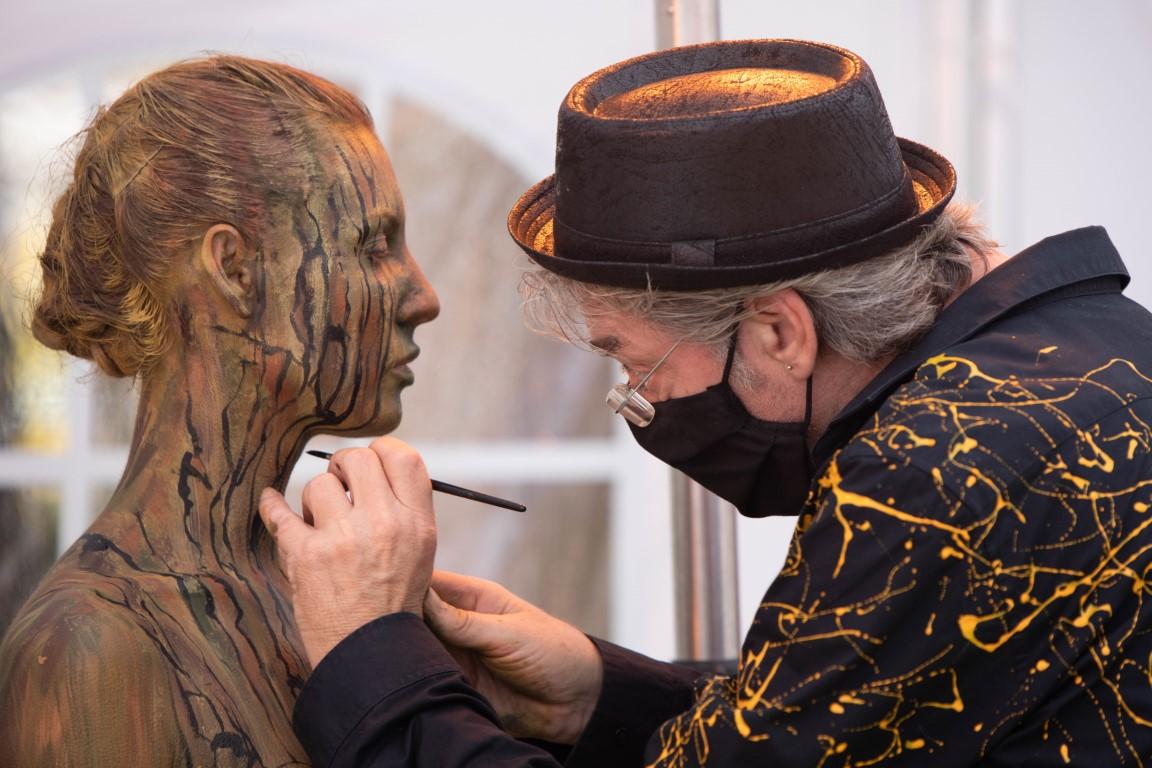 Body Art Performance in Wunstorf mit Jörg Düsterwald